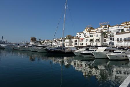 puerto Banus bateaux jeune Buchinger Marbella