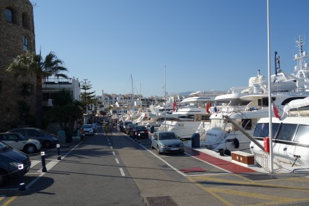 quai Puerto Banus jeune buchinger Marbella (1)