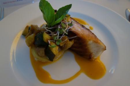 saumon sur lit de légumes déjeuner quatrième jour réalimentation jeûne Marbella